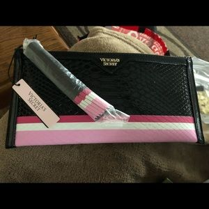 Victoria's secret NWT black pink wristlet
